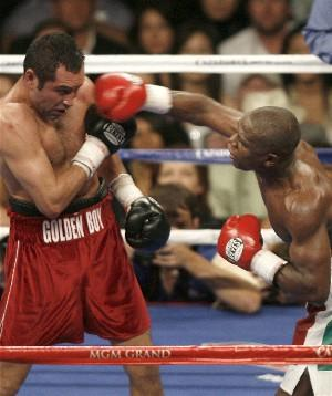 De La Hoya - Mayweather : HoganPhotos.com
