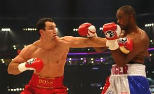 Klitschko on the attack against Thompson(pic Hogan Photos)