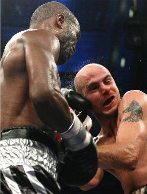Hopkins destroyed Pavlik: HoganPhotos.com