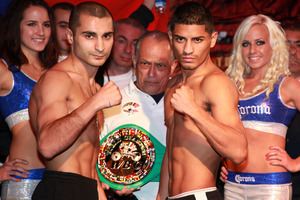 Darchinyan and Mares Sqaure up (All pics tom Casino)