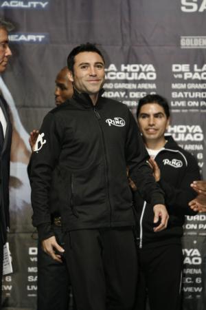 Oscar De La Hoya: HoganPhotos.com