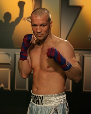 Tony Dodson beaten by McKenzie