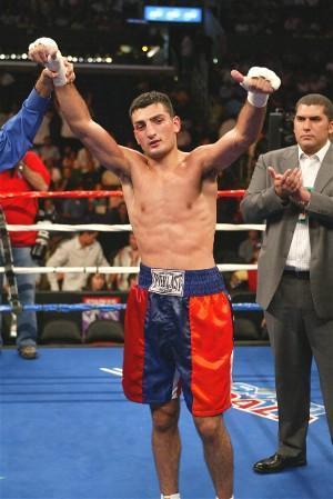 22 year-old Vanes Martirosyan 22-0 (14) : HoganPhotos.com