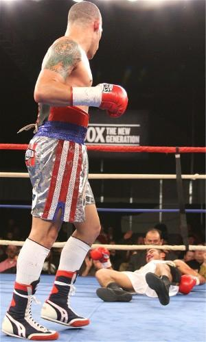 Cruz ko's Miranda (pic Tom Casino)