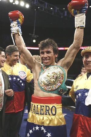 Valero wins WBC title: HoganPhotos.com