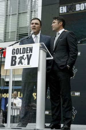 De la Hoya and Schaeffer in happier times