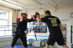 murray hits the pads with Joe Gallagher