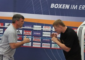 Povetkin goes through the motions