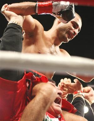 Darchinyan wins: Tom Casino/Showtime