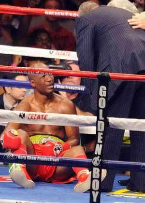 Bernard Hopkins vs Chaz Dawson pic Harry Rosebluth