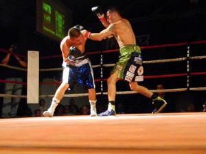 Garcia defeats Armendarez