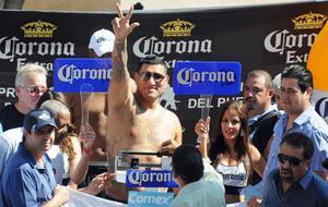 Arreola salutes his fans
