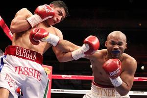 Vargas And Dulorme Clash In Chicago