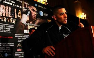 Rios holds court in LA