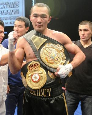 Shumenov shows off his WBA belt