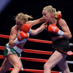Holm and  Mathis  battle it out (pics Tom Hernandez)