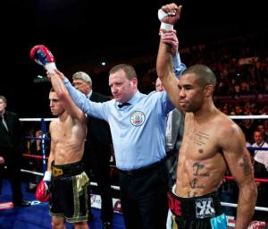 Quigg and  Munroe honours even