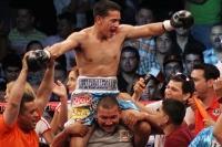 Sanchez celebrates victory (pic Rafael Soto/Zanfer)
