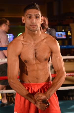 Khan works out in Vegas