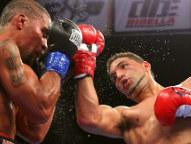 Edwin Rodriguez (R) - Photo © Edward Diller - DiBella Entertainment/Star Boxing