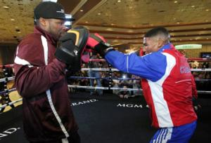 Gamboa Faces Montes De Oca On Nov 15
