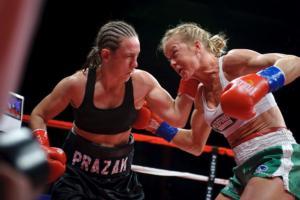 Holm vs Prazak (pics Tom Hernandez)