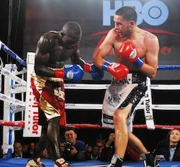 Mendez keeps him at No.2 at super featherweight