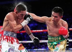 Estrada defeats Viloria (pic Chris Farina)