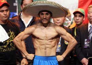 Viloria flexes his muscles (all pic Chris Farina)