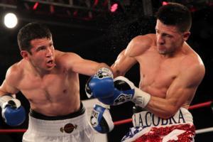 Mamadjonov upsets Santana (pic Tom Casino)