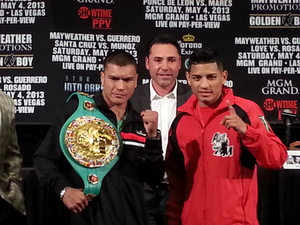 De Leon and Mares prepare for war (pic Marc Livitz)