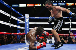 VIDEO: Angulo Is On Track To Defeat 'Canelo'