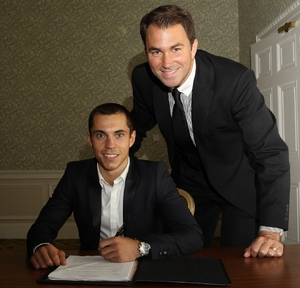 Quigg signs on the dotted line