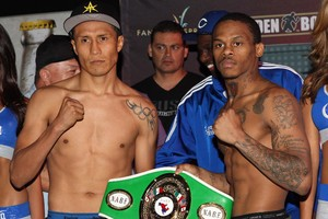 Vargas and Bennett pose with title belt