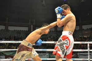 Garcia stopped  Carranza in 12