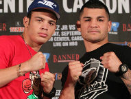 (L-R) Chavez / Vera (Photo © Chris Farina / Top Rank)