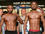 L-R: Rigondeaux 121 lbs, Agbeko 121.6 lbs (Photo © Chris Farina / Top Rank)