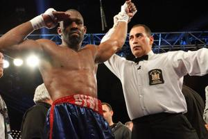 Jennings Takes On  Perez In WBC Eliminator