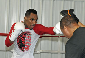 Undefeated Charlo Goes For World Title