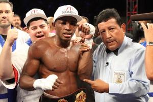 Lara Hopes Alvarez Fight Will Lead To Mayweather