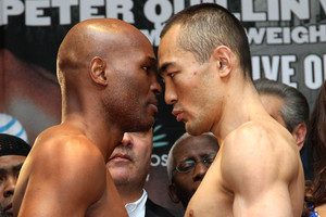Video: Hopkins And Shumenov Make Weight