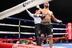 Porter Thrashes Malignaggi in 4, Retains IBF Belt