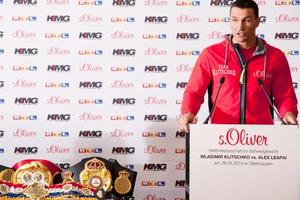 Wladimir Shows Respect For Leapai