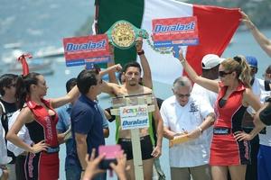 Gonzalez Retains WBC Crown