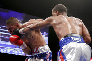 Spence Dominates, Decisions Cruz in Vegas