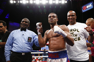 Spence Miles Above Algieri, Wins By Fifth Round TKO