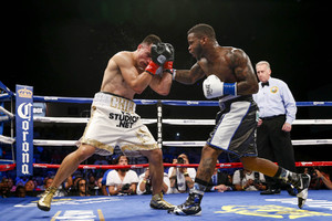 Gomez Re-Signs With Golden Boy Promotions