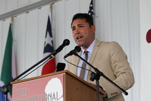 De La Hoya Is Considering Fighting Again Aged 42