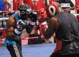 Lara Looks Sensational In Sparring