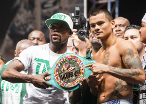 Video: Mayweather And Maidana Weigh In
